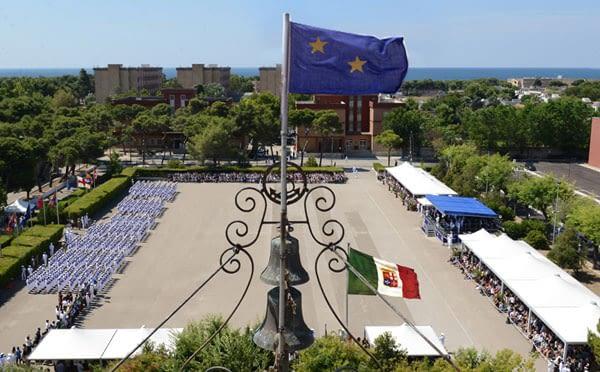 la Scuola Sottufficiali della Marina di Taranto